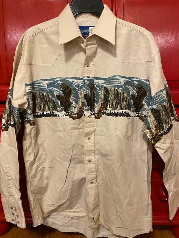 Men's Medium Wrangler Shirt Used