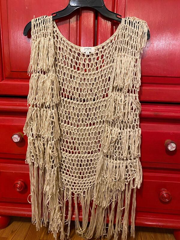 Umgee Small/Med Crochet Fringe Vest