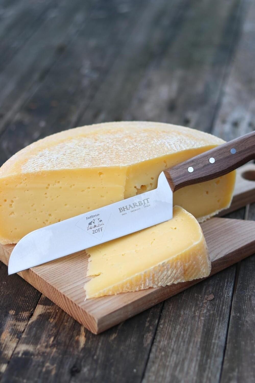 Coltello artigianale per formaggi