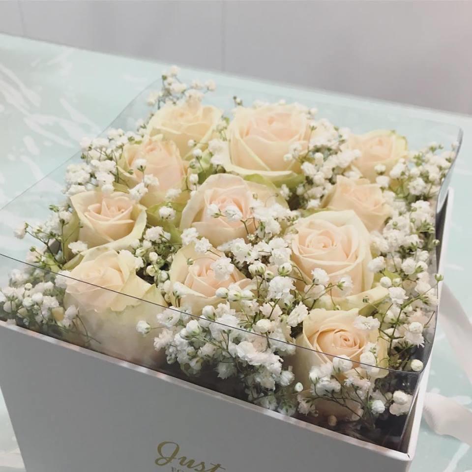 Caixa com rosas