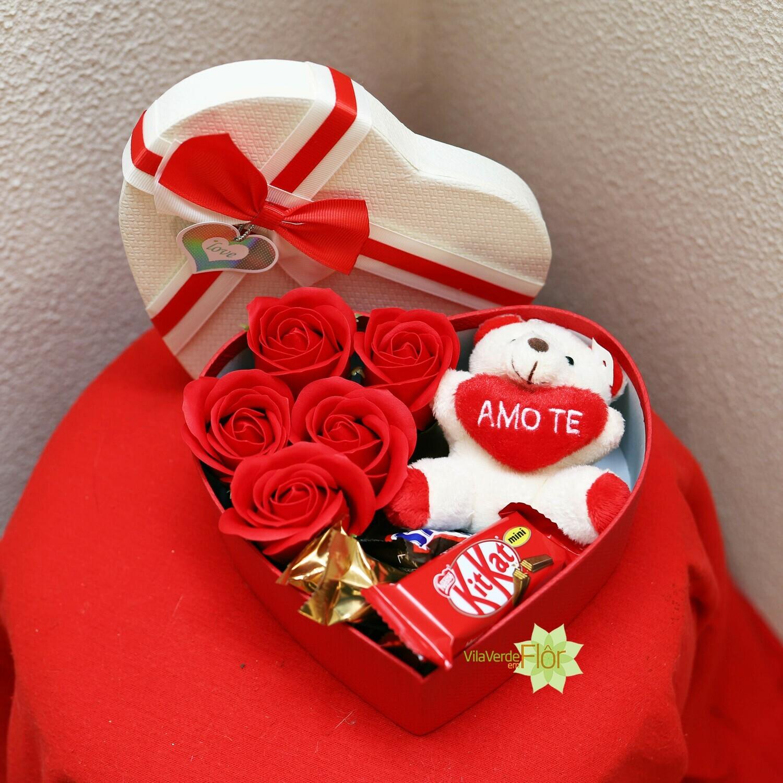 Caixa rosas porta chaves e chocolates