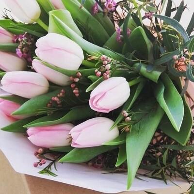Ramo de 12 tulipas