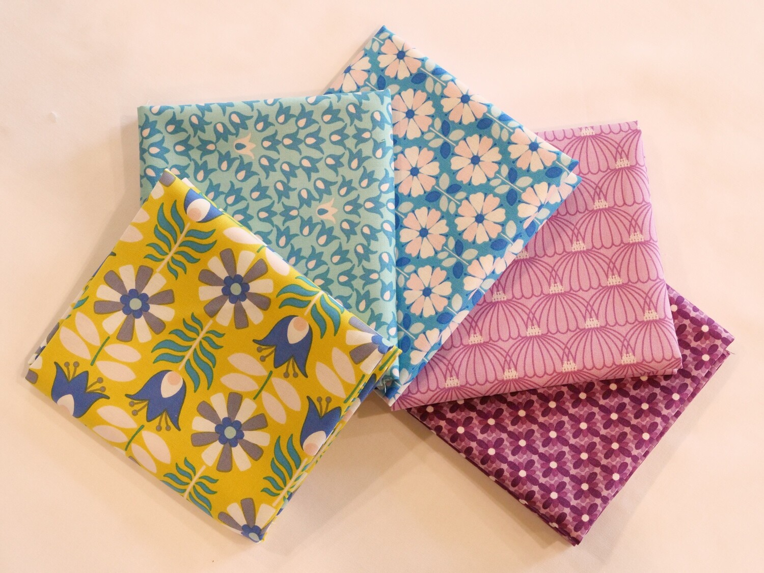 Midsommar Fat Quarter Bundle