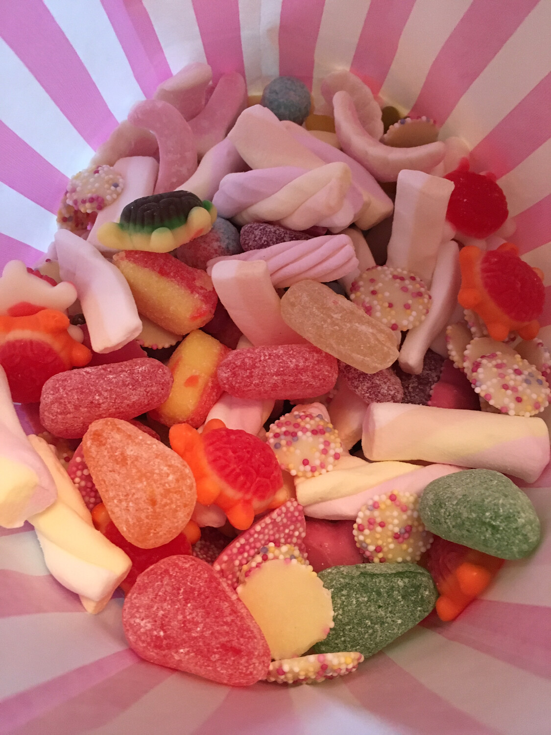 A Giant 1.5 Kg made to order Pick n Mix bag
