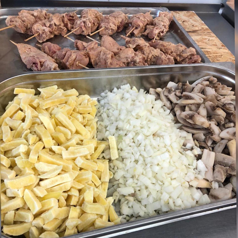 Шашлычок куриный с картофелем и грибами : 12 порций