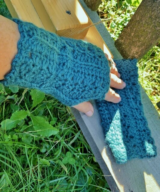 Alpaca Fingerless Gloves - Primrose and Proper