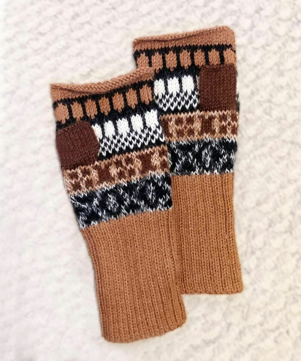 NEW Peruvian Natural Alpaca Gauntlet