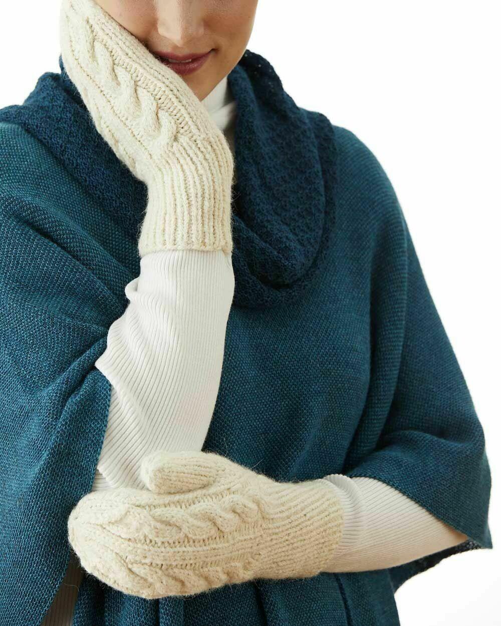 Fancy Trenza Knit Alpaca Mitten