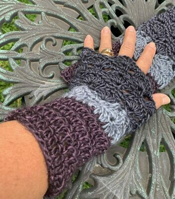 Fantail Astral Fingerless Gloves