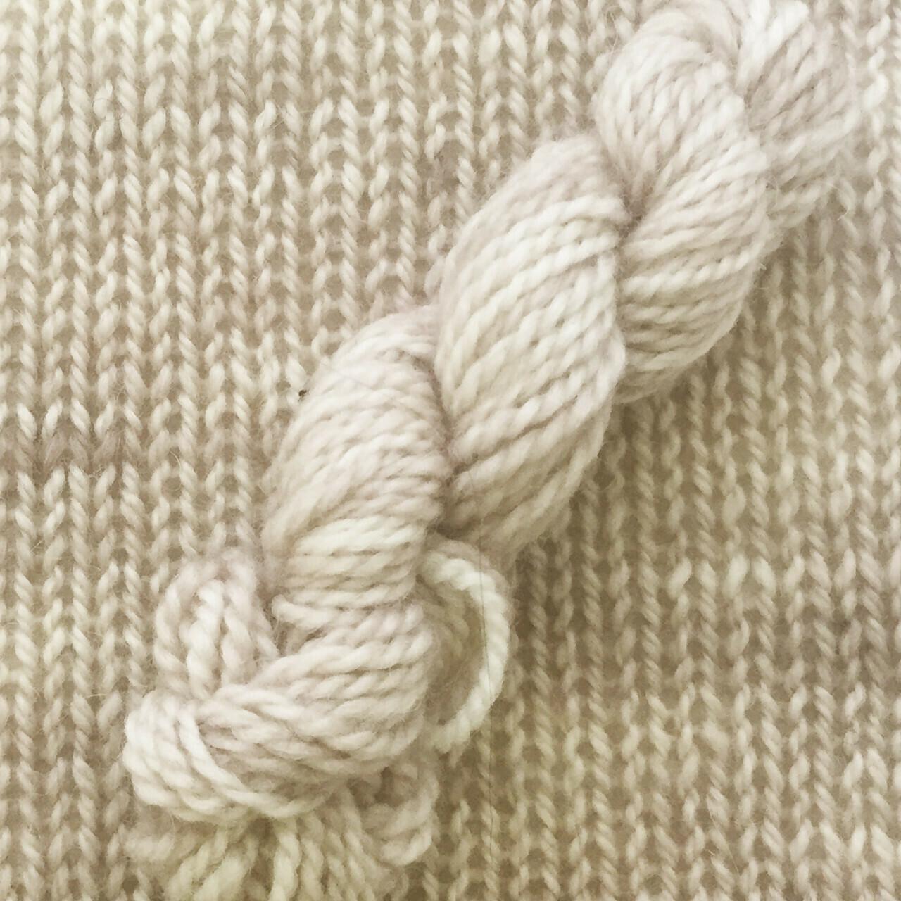 Symmetry Yarn - Being Beige