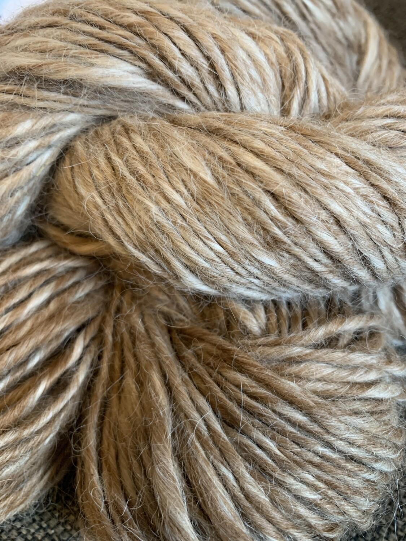 Lopi Suri Alpaca Yarn - Tawny