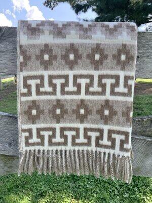 Geometric Alpaca Throw - Tan/White