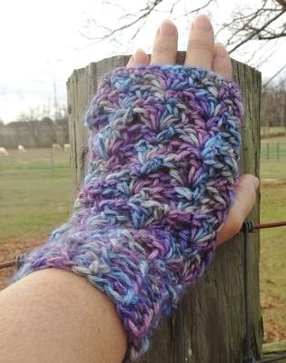 Lacy Alpaca Fingerless Gloves - Paca Paints