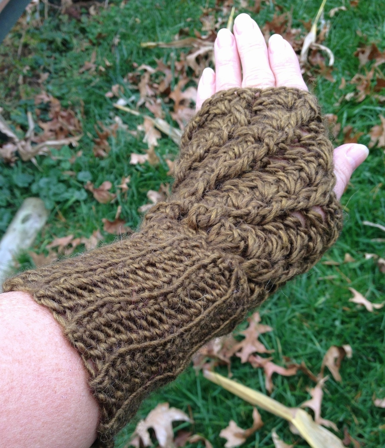 Twisted Stitch Fingerless Gloves - Astral