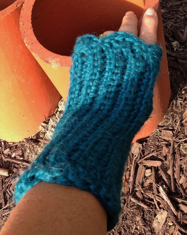 Snuggle Ribbed Fingerless Gloves