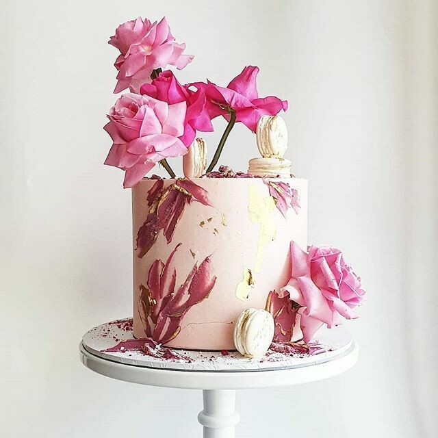 Full Buttercream Cake + Texture + Roses