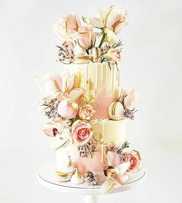 Half Watercolour Buttercream Cake + Drip + Mixed Florals