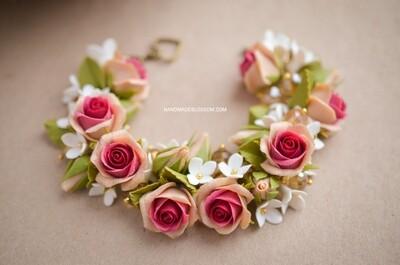 Beige and dark red rose flower bracelet