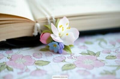White apple flower necklace