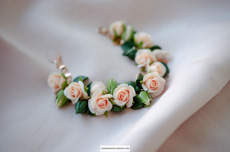Peach rose bracelet, Pastel roses jewelry, Salmon flower gift, Bridesmaid present, Autumn gift