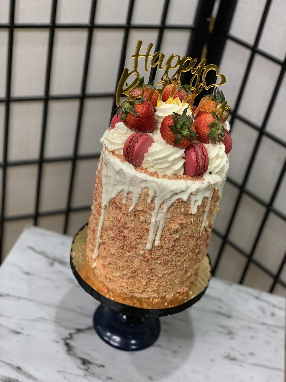 Strawberry crunch cheesecake