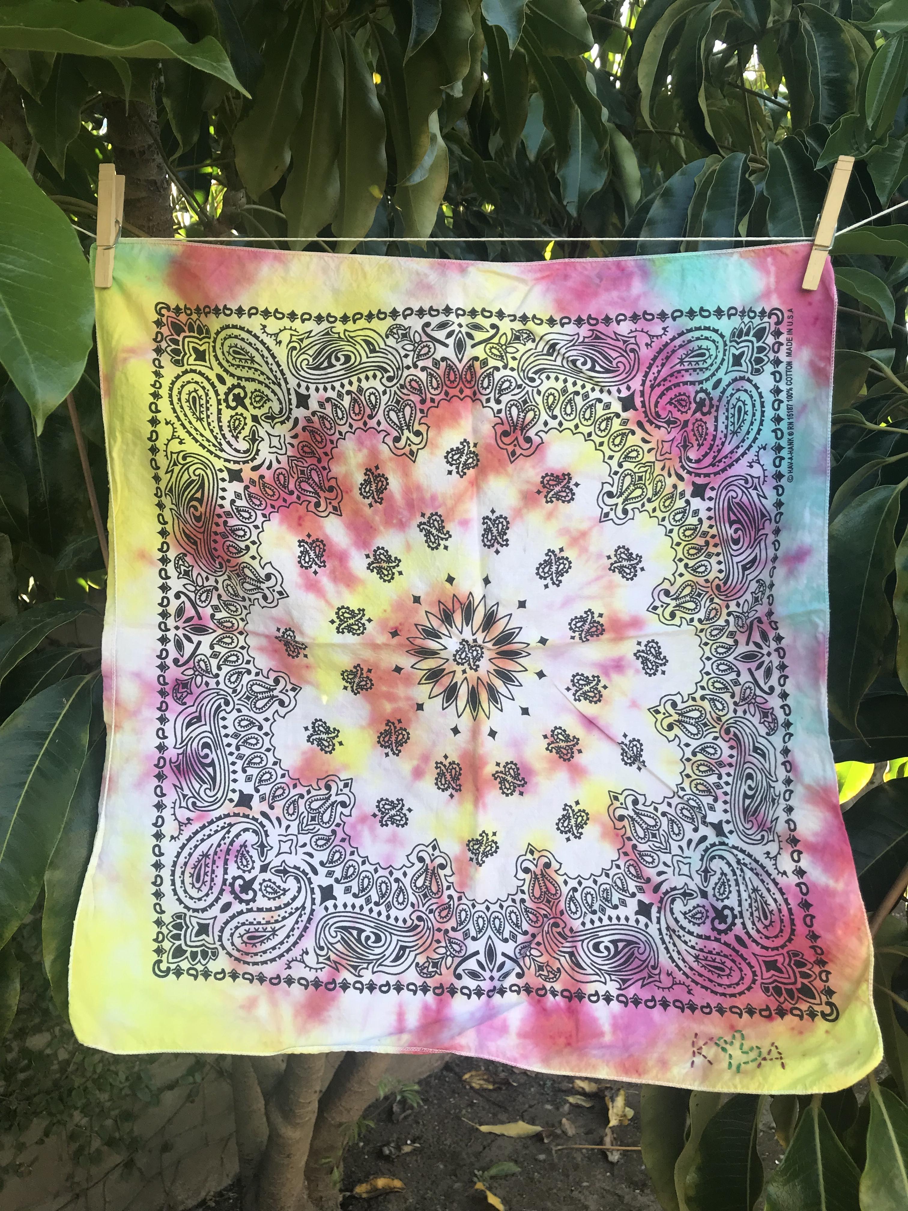Tie-Dye Tramp Hankie 00027