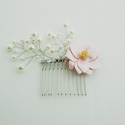 Pearl Steams and Pink Flower Wire Comb Piece