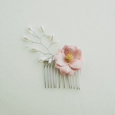 Pearl Vine and Pink Flower Wire Comb Piece