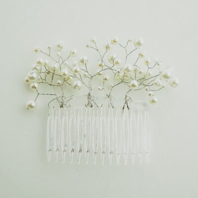 Simply Pearls Comb