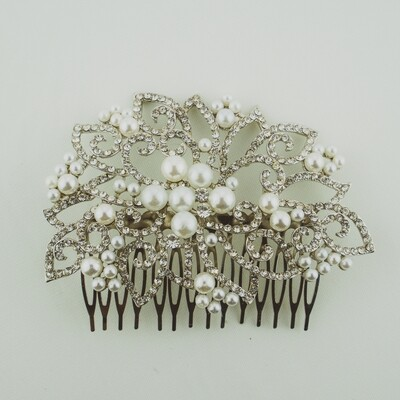 Classic Pearl Hair Comb