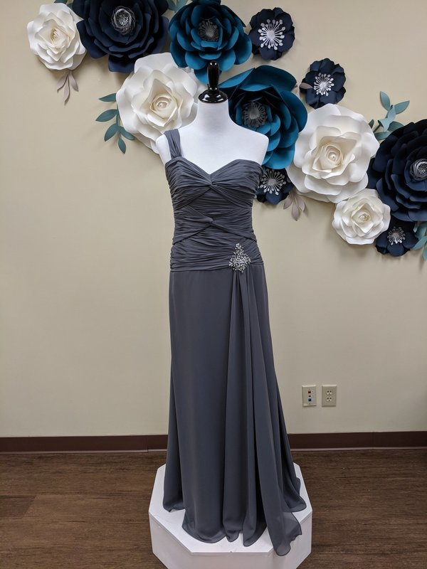 Alfred Angelo 9042 Size 4 & 10