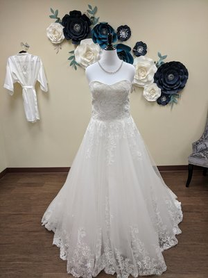 Strapless Lace Ballgown Size 14- OFF THE RACK ONLY
