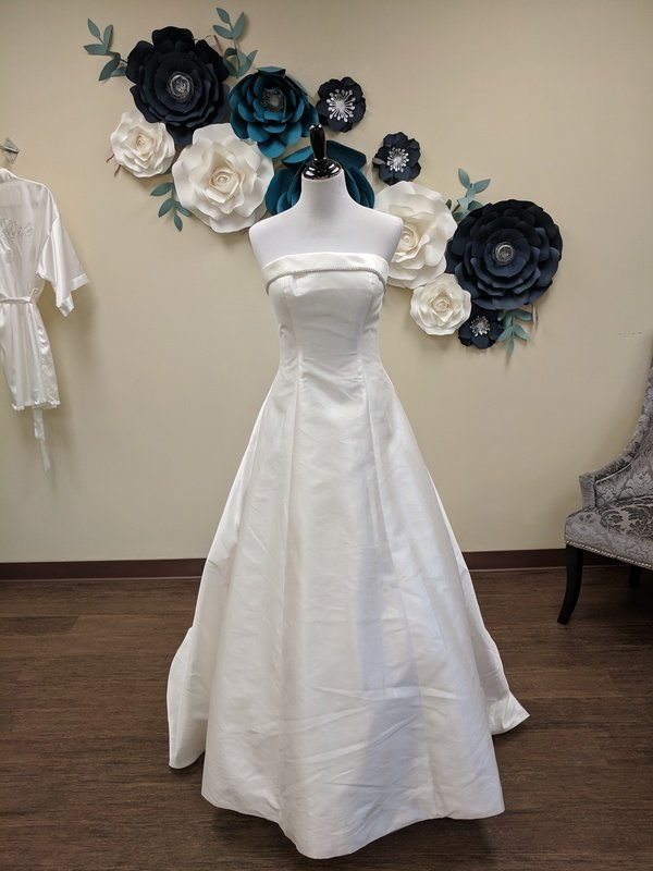 Christian Michelle Bow Gown Size 6