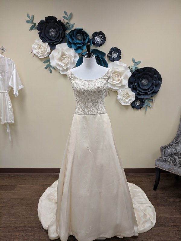 Lazaro Gown Size 10