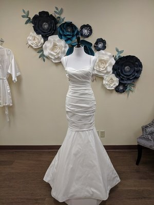 Amsale Gown Size 6