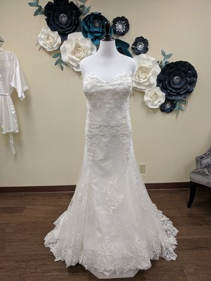 Strapless and Flare Sample Size 28w