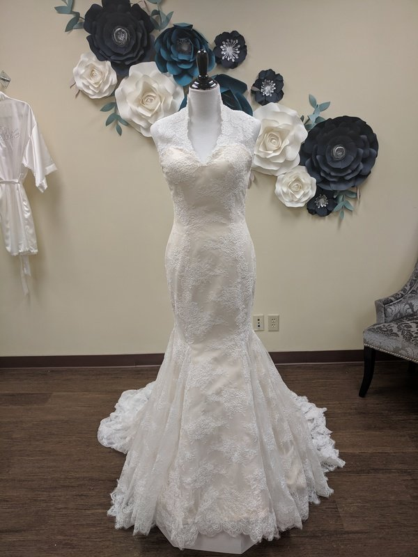 All Lace Cream Mermaid Gown Sample Size 8