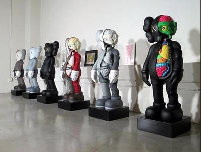 Réplique Figurine KAWS Street art - VERY BIG XXL