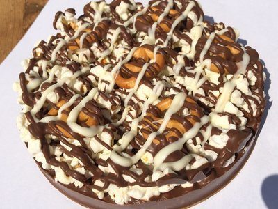Gourmet Chocolate Pizza - Pizazz™ - Mini - Gluten Free - Pretzel