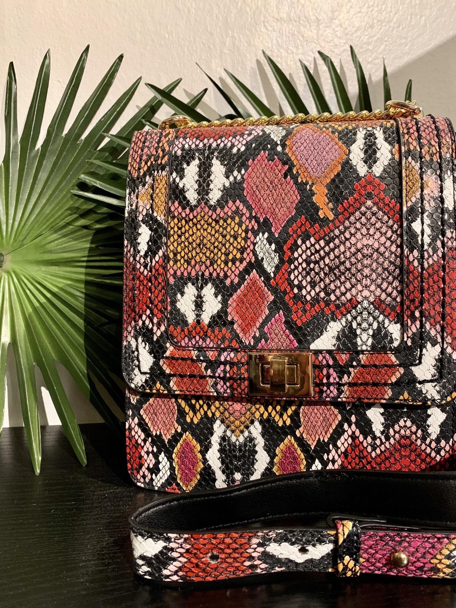 Larina Crossbody Chain Handbag UPHB0001-LARINA