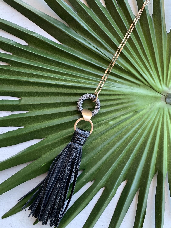 Toro Tassel Necklace-Black