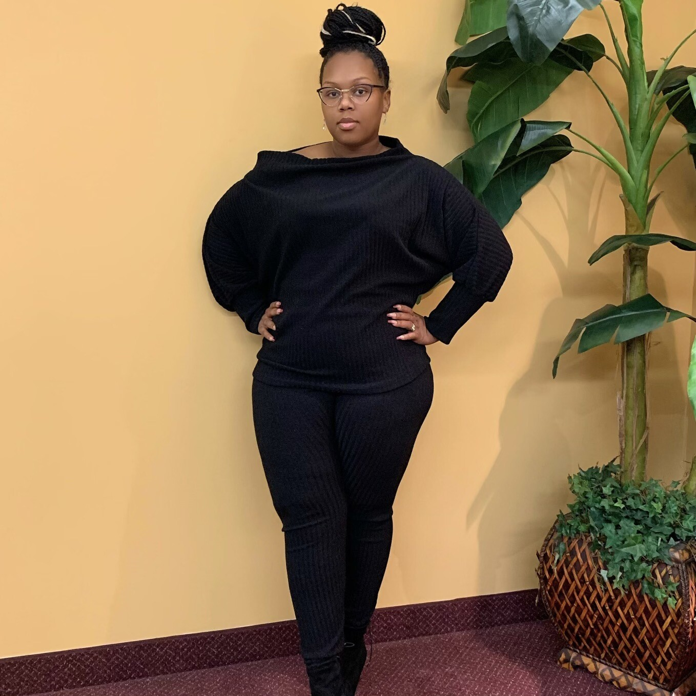 Groove Back Two Piece Set-Black