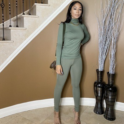 Light Work Two Piece Set-Light Olive