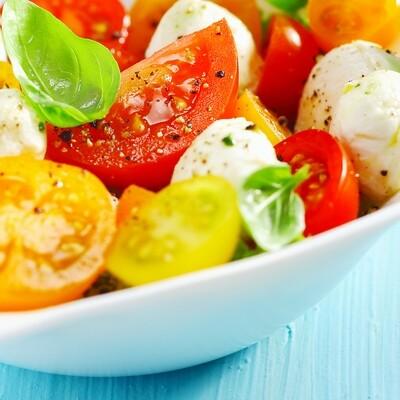 Tomato Mozzarella Salad (per lb)