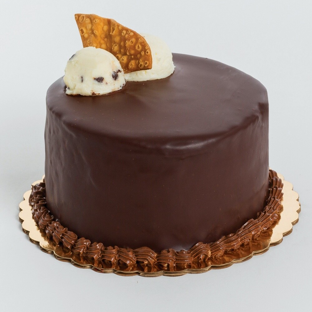 Chocolate Cannoli Cake