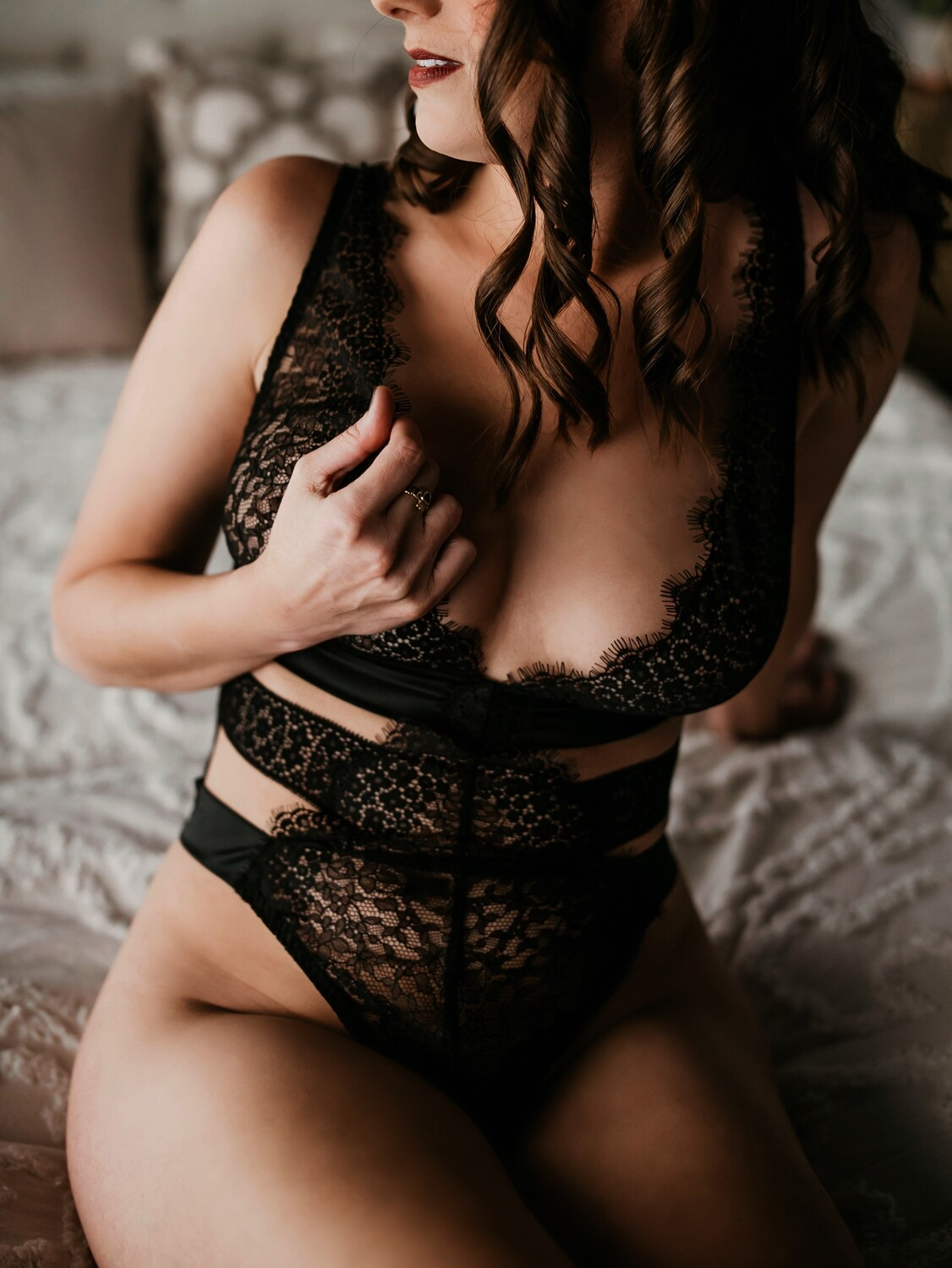 1 Hour In-Home Boudoir Session