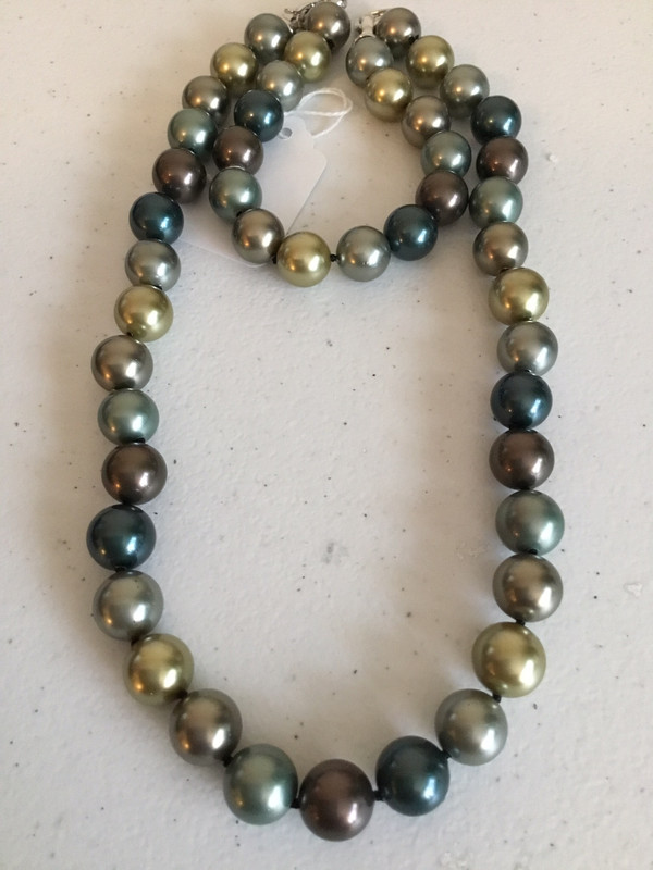 Green Multi-Color Pearl Bracelet And Necklace Set