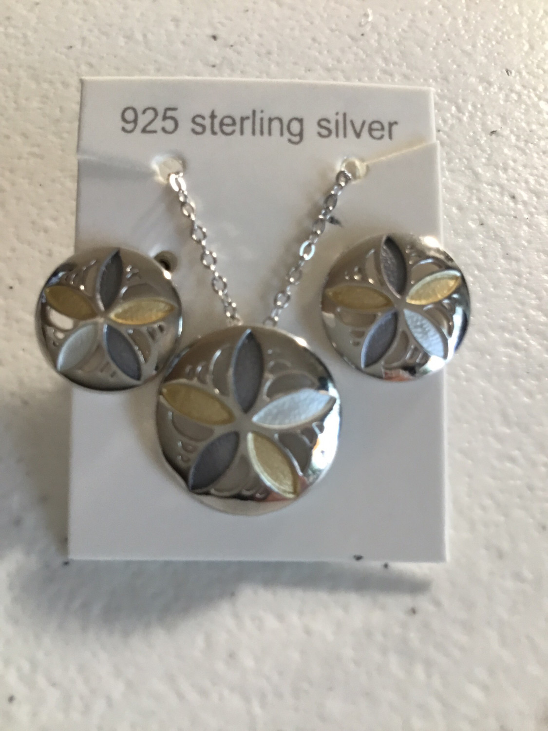 Tri-Color Sterling Silver Sandollar Necklace And Earring Set