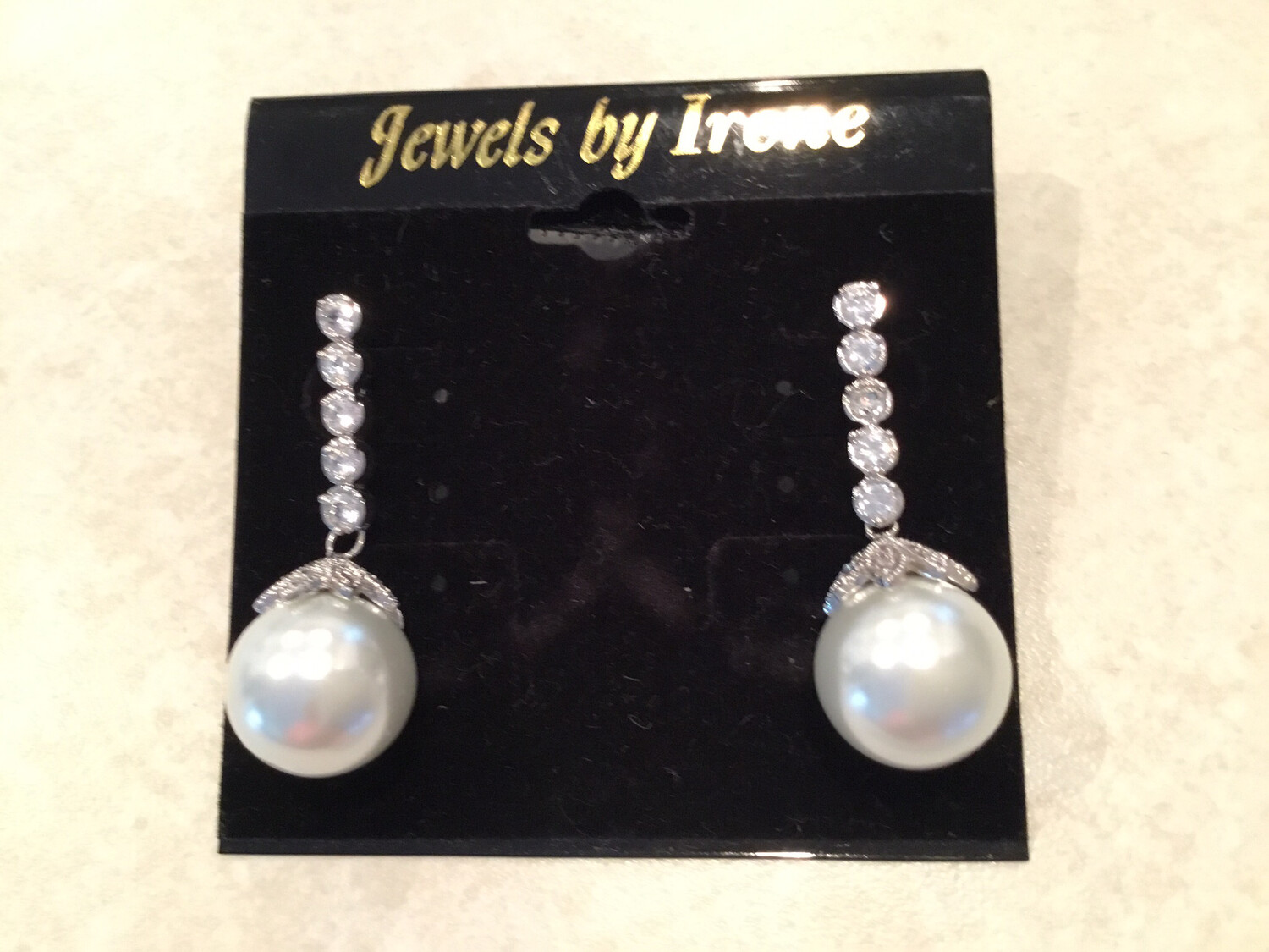 Large White Pearl On Crystal Drop