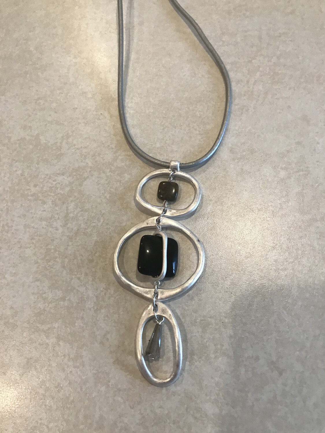Silver Circles With Agate  Silver Leather Cord